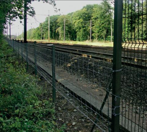 Anciennes et nouvelles clôtures, plus ou moins «fragmentantes», se côtoient dans le PNR.