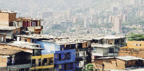 Une vue de Medellín (Colombie), où s'est tenue la sixième plénière de l'IPBES en mars 2018. © Milo Miloezger