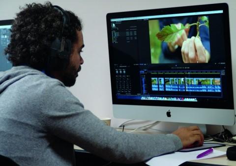 Un MOOC est basé sur des cours dispensés en vidéo.