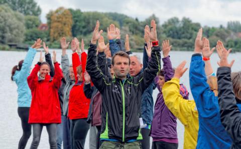 Activité sportive douce alliée à la découverte du patrimoine naturel pour des patients en rémission de cancer.